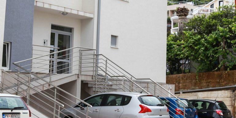 3 аренда квартиры в Будве 1