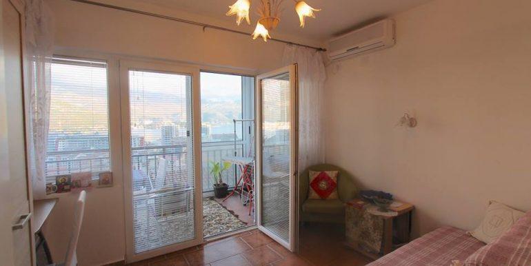 Квартира в Будве длительная аренда
