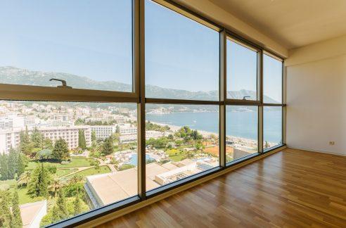 Квартира в Будве с панорамным видом на море